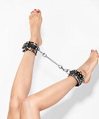 Fußfesseln mit Verbindungskette