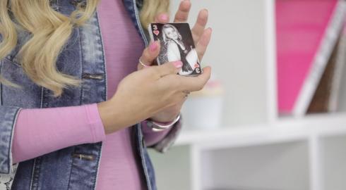 Was können die Sex & Mischief 'Playing Cards'? EIS erklärt es Dir.