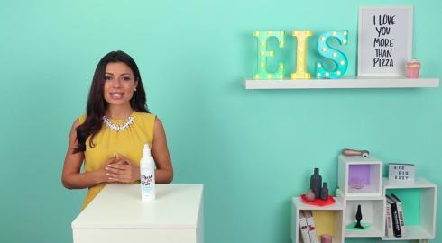 Was das Desinfektionsspray 'Fresh for Fun' von Romance For Charity kann? EIS weiß es!