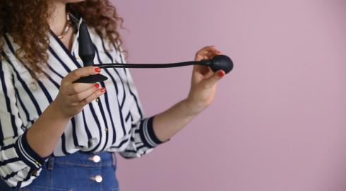 Wie funktioniert der MenzStuff 'Inflatable Plug' Analdildo? EIS klärt Dich auf.