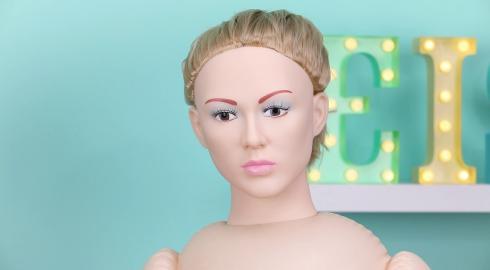 Was kann die Liebespuppe 'Antonya Vidra' von NMC? EIS erklärt es Dir!