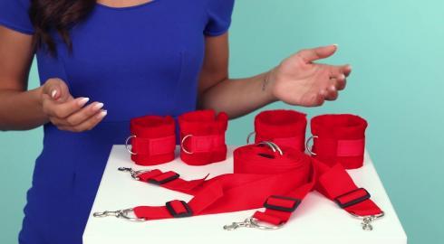 Wie verwendet man ein 'Reizvolles Bett-Fessel-Set'? EIS erklärt es Dir!